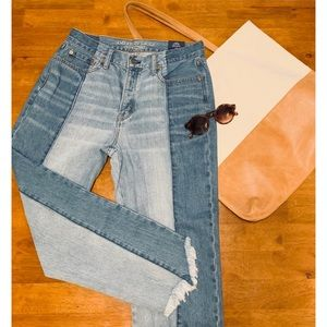 NWT American Eagle Hi-Rise Two Toned Crop Jeans